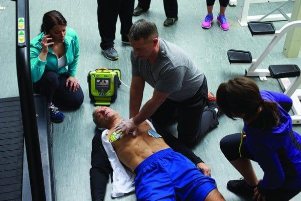 defibrillator gebruiken