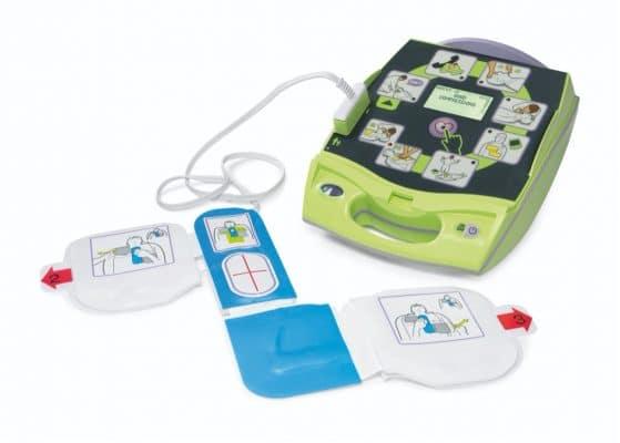 ZOLL AED Plus met pads